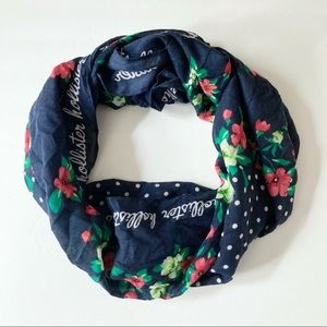 NWT Hollister Floral Polkadot Blue Square Scarf